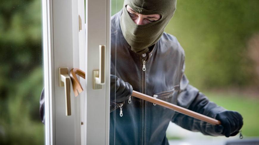 Чуднівські оперативники викрили чоловіка у скоєнні крадіжки
