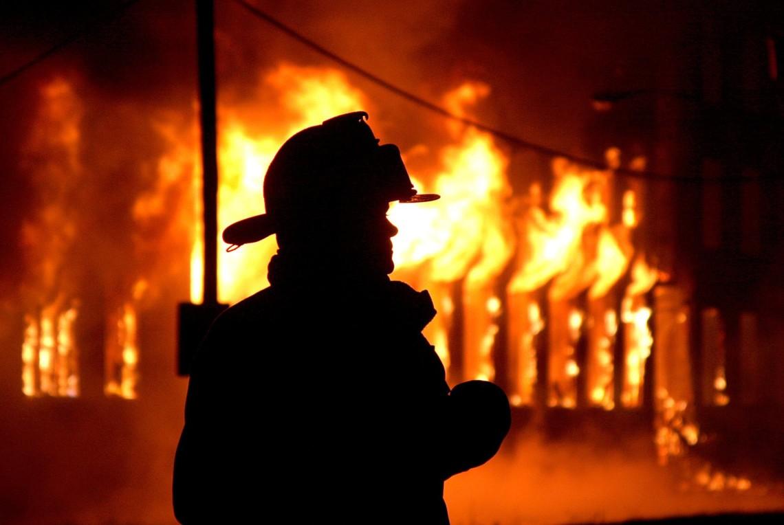 У Чуднівському районі рятувальники ліквідували загоряння господарчої будівлі