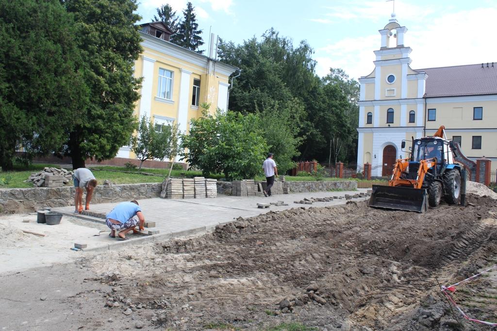 У Чуднові розпочалися роботи щодо встановлення пам'ятника Яну Барщевському