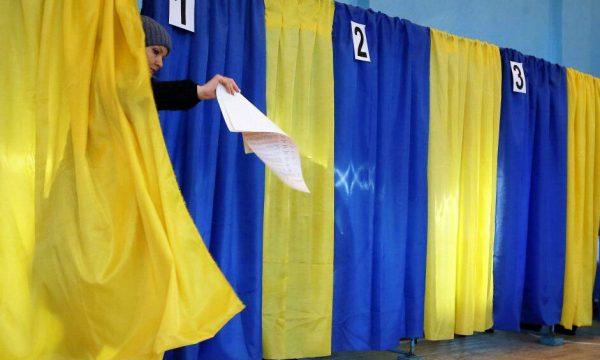 За кого будуть голосувати в Чуднові: списки кандидатів у депутати Житомирської районної ради
