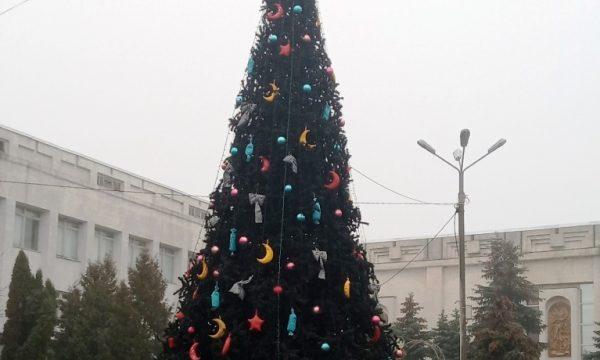 У Чуднові встановили новорічну ялинку