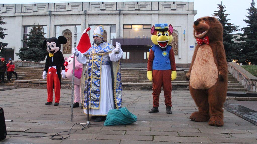 У Чуднові відбулось відкриття новорічної ялинки