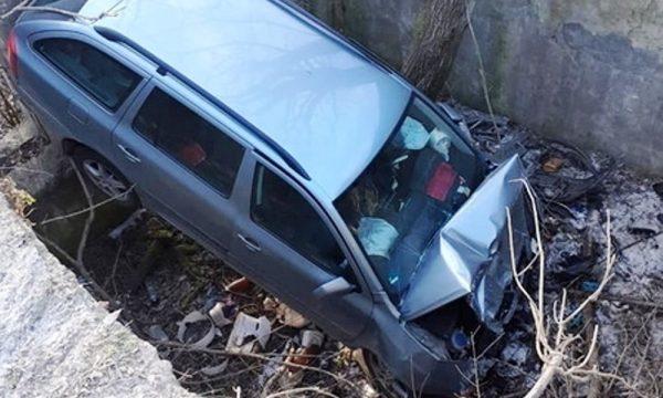 У Чуднівському районі легковик злетів з мостуі впав у провалля
