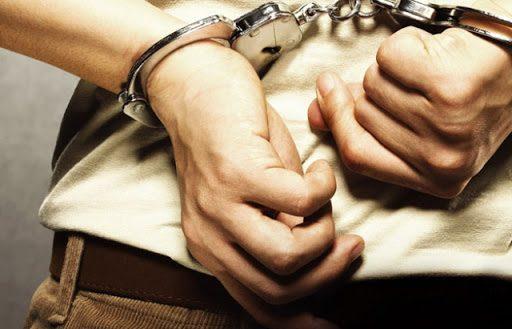 У Чуднові спіймали двох крадіїв: один поцупив килим, інший – телефон