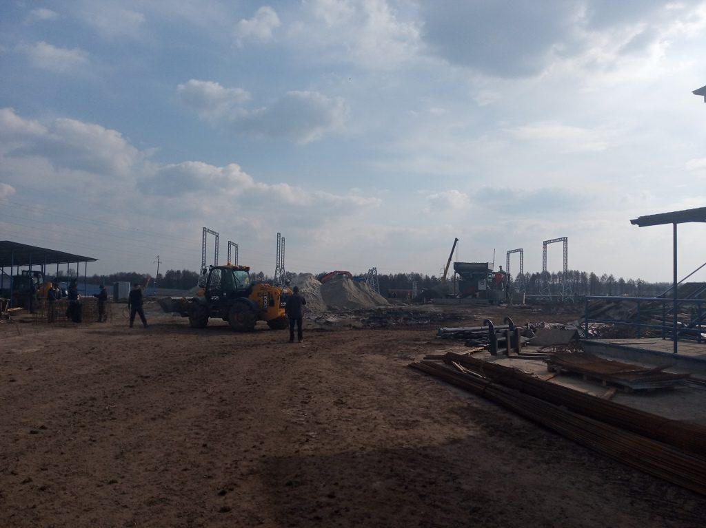 Під Чудновом продовжують будівництво сучасної сонячної електростанції