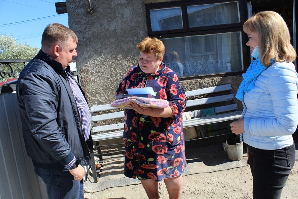 Матері-героїні Чуднівської громади отримали подарунки від депутата обласної ради Ігоря Ходака
