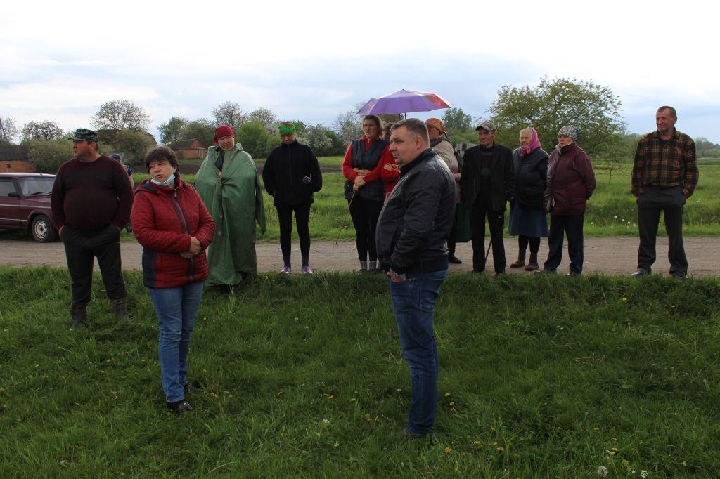 Чуднівський міський голова зустрівся з жителями села Стовпів щодо вирішення питання використання земельних ділянок під пасовища