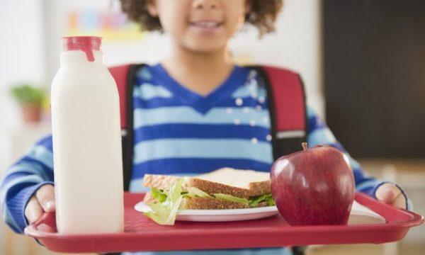 Стало відомо, які продукти зникнуть зі шкільних їдалень у новому навчальному році