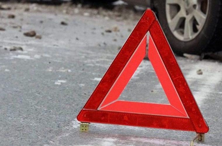 У Чуднівському поліцейський на Volkswagen виїхав на зустрічну смугу та протаранив два авто