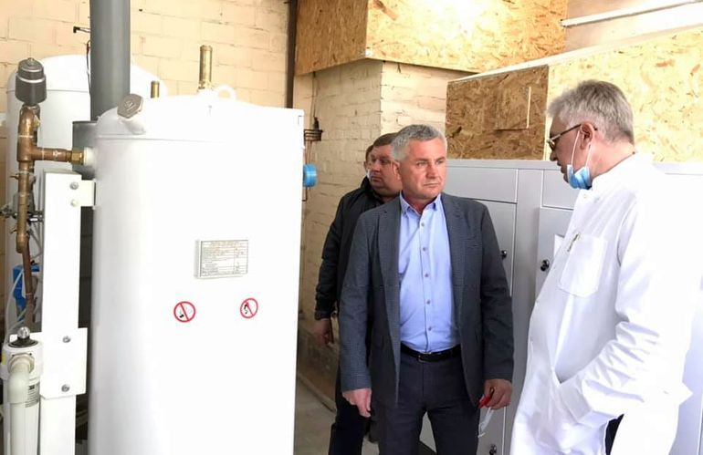 Депутат Житомирської облради долучився до покупки кисневого генератора для Чуднівської лікарні